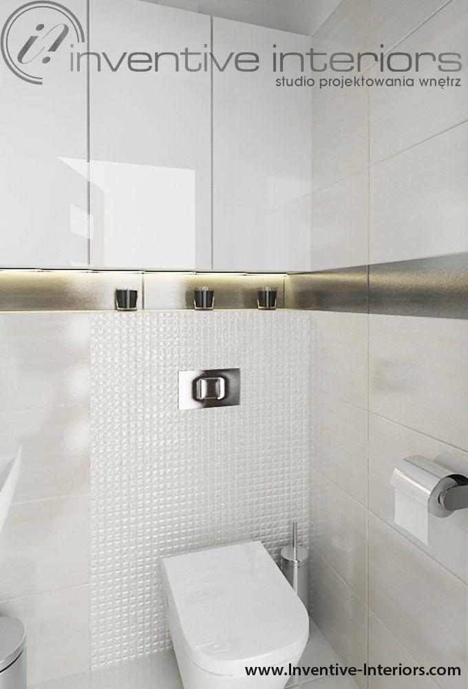 Projekt wc Inventive Interiors - jasne eleganckie wc z dekoracyjną mozaiką