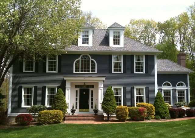1000 images about house colors on pinterest exterior - Grey and white house ...