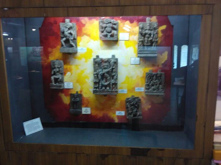 Museum in kanchipuram ( tamilnadu, india). M . M. Avenue  www.tamiltour.com