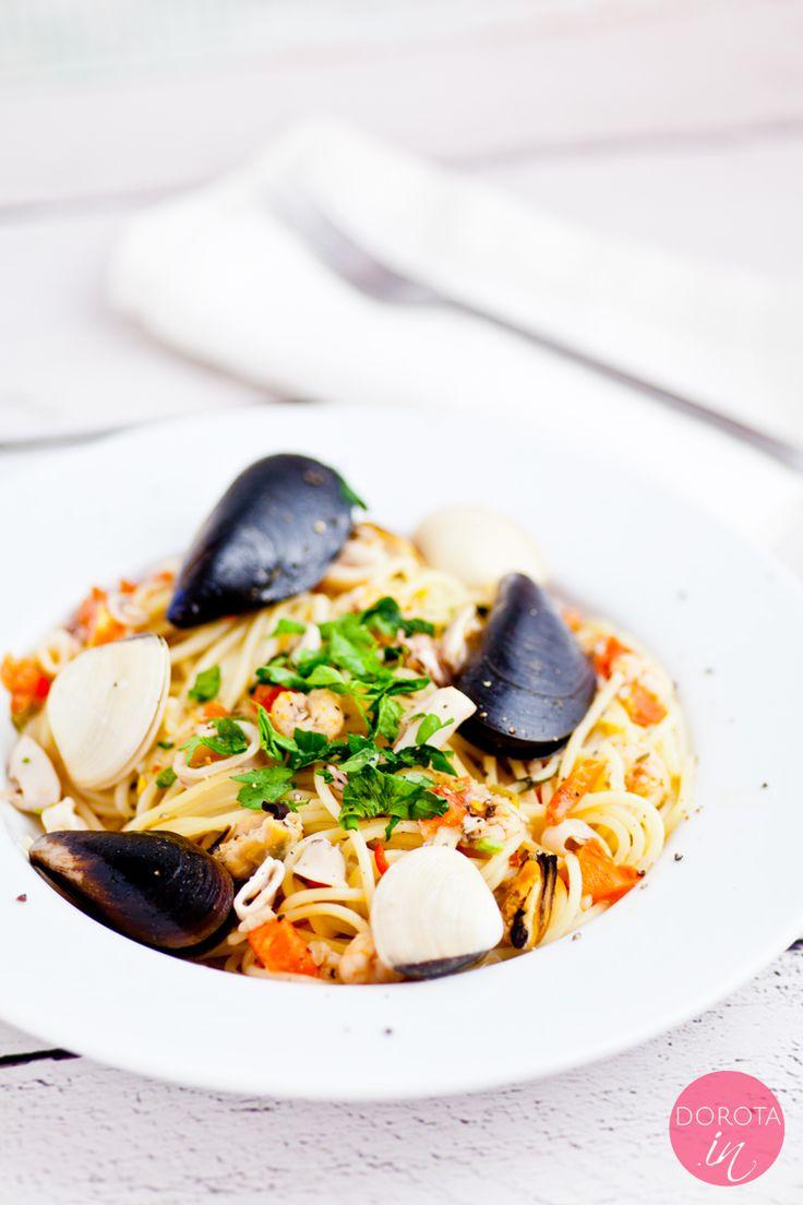 Spaghetti z owocami morza czyli #pasta frutti di mare  http://dorota.in/spaghetti-z-owocami-morza/  #przepis #makaron #spaghetti #obiad #kolacja