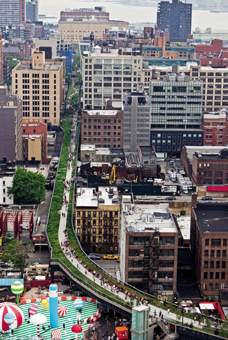 The High Line, an elevated park in the sky built on top of the tracks of a disused railway, weaves its way through the city blocks