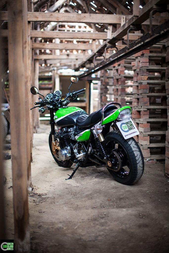 Kawasaki Z 1000 von Green Island Bikes. Die etwas andere Kawasaki Z 1000 mit offene Rundschiebervergaser und einer Moriwaki Auspuffanlage. #gib #kawasaki #Z900 #z1000 #greenislandbikes #custombike #elbinsel #krautsand #caferacer #oldschoolbikes