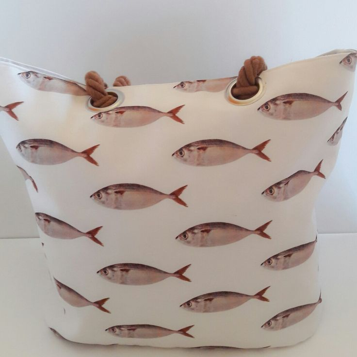 Fish bag for the beach