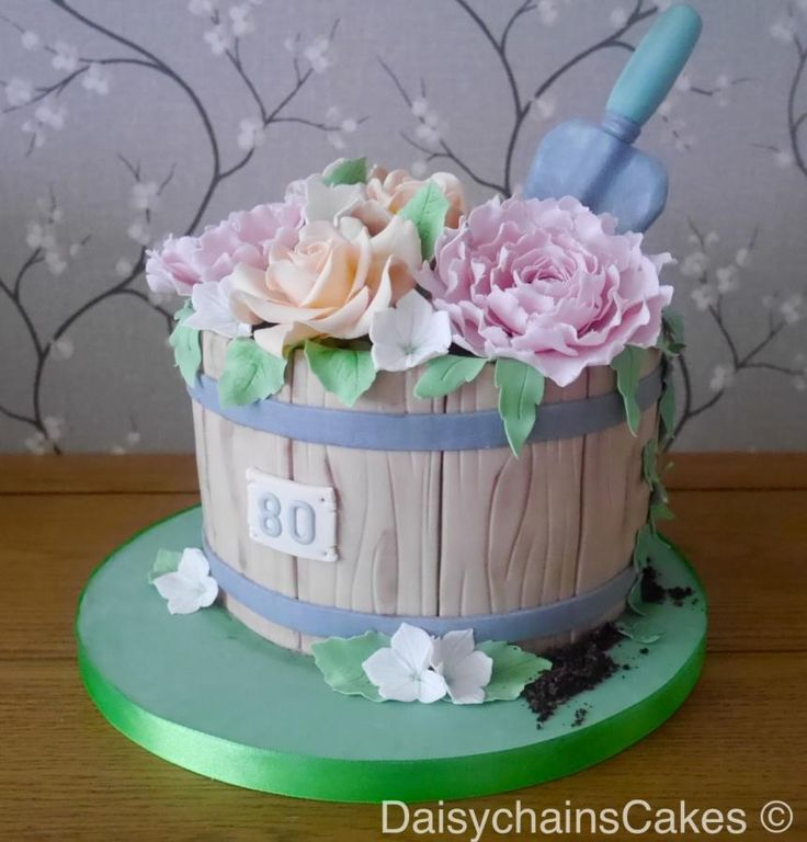 Flowerpot cake by Daisychain's Cakes