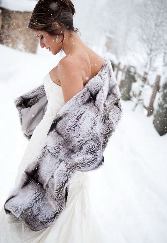 Winter Snowy Grey Fur Cape Wedding Dress>>> (would want fake fur so that no animals would be harmed)