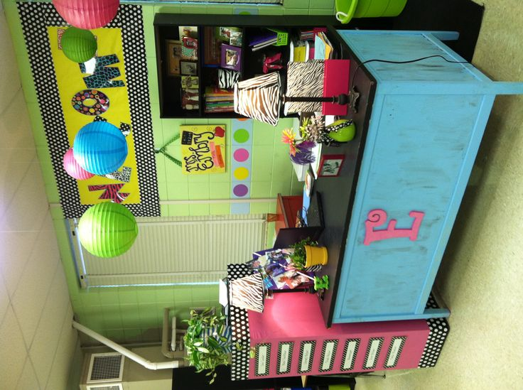 So cute! this class room makes me want to be a teacher!