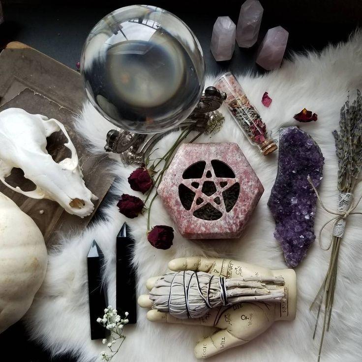 этом картинки фото мистические предметы амулеты слоя перистых