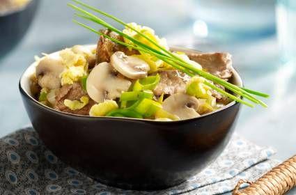 Roerbak met rundvlees, ei en groente