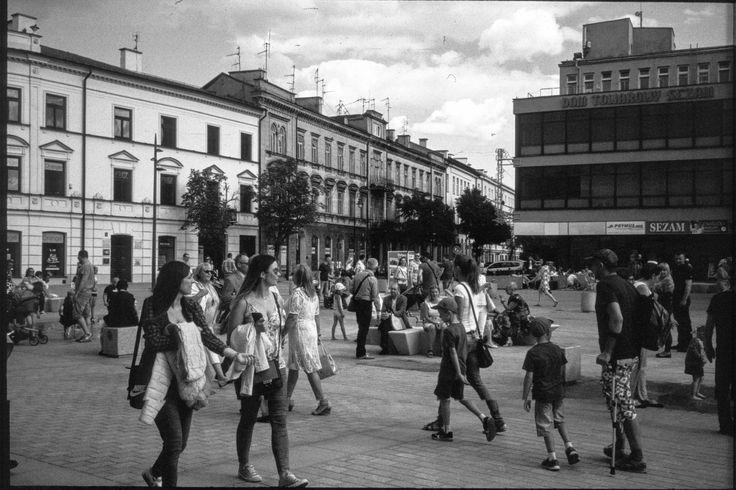 https://flic.kr/p/VXr2gq | Sunday Walks | At the renovated Plac Litewski in Lublin, Poland, June 2017.  Olympus 35RC, E.Zuiko 42mm F2.8, Rollei Retro 400s (reversal process)