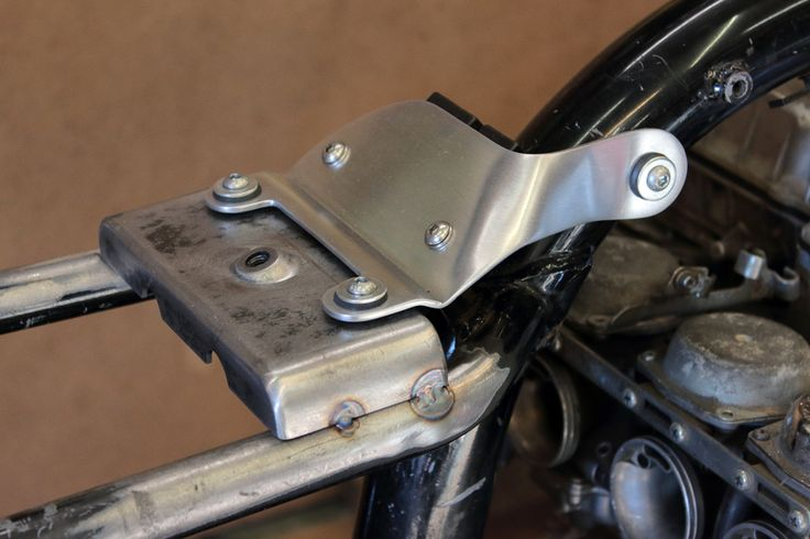Seven Fifty cafe-racer. Tank mount, electrical components, wiring, etc . Part 1. – Gazzz garage