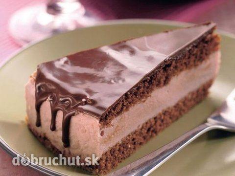Slávnostná torta s čokoládovou polevou