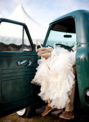 <3: Photos Ideas, Cowboy Boots, Wedding Pics, Old Trucks, Cute Ideas, Country Wedding, Wedding Photos, Old Cars, Wedding Pictures
