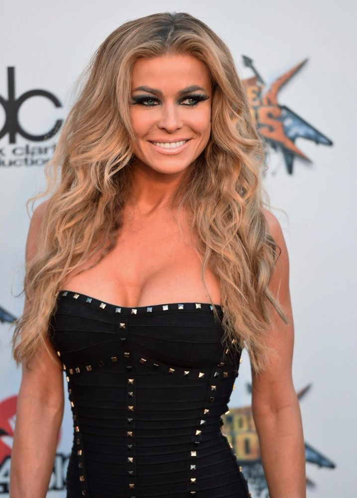 CARMEN ELECTRA PERSONALLY OWNED AND WORN BEIGE, DESIGNER CREATED SILK SKIRT!