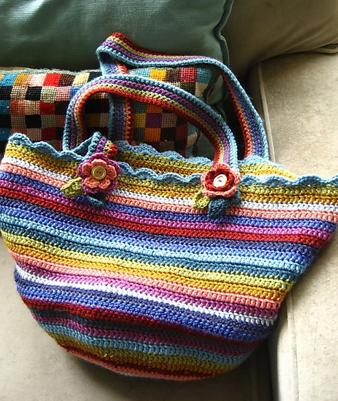 15 Free Crochet & Knitting Bag Patterns - doesn't this feel like spring? I am soooo ready for spring.