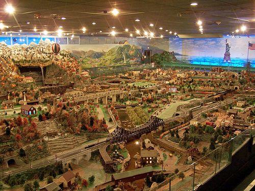 Roadside America, largest indoor village, shartlesville PA