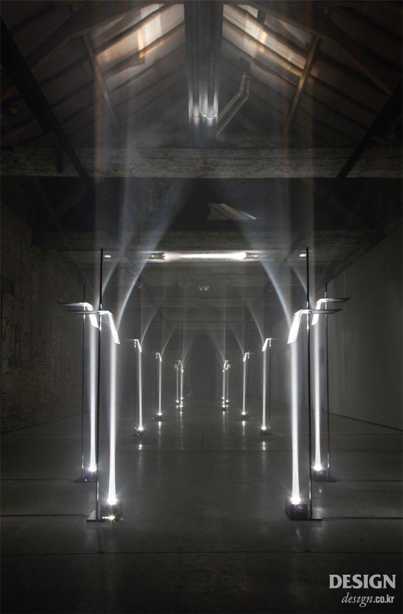 월간디자인 빛과 과학을 조련하는 영국 아티스트 그룹 트로이카