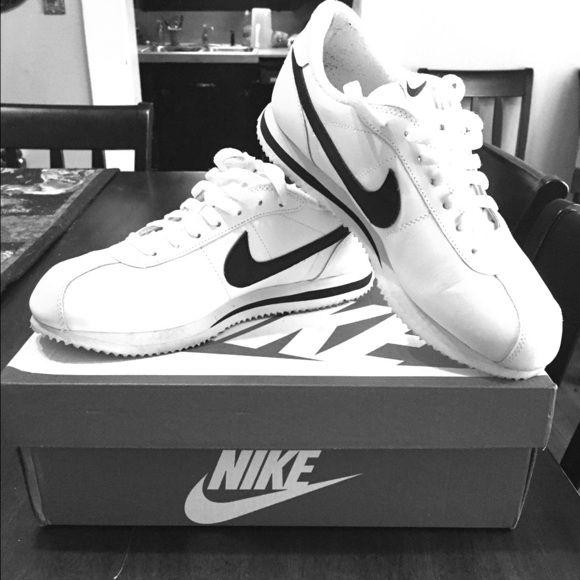 '07 Nike Cortez Like new, white and black Nike Cortez Shoes Athletic Shoes