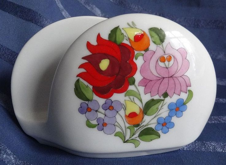 hand-painted porcelain of Kalocsa