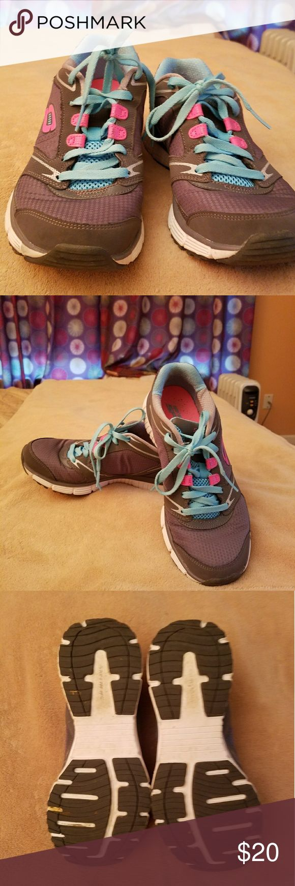 Sketchers ladies running shoes Sketchers, size 7, ladies running shoe. Gray, teal and pink. Extra laces included. Gently worn Skechers Shoes Athletic Shoes