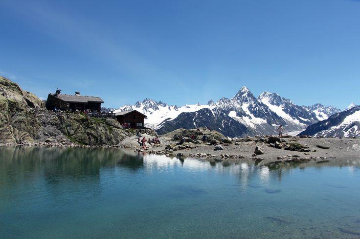 Refuge du lac Blanc dans la Réserve des Aiguilles Rouges (Haute Savoie)