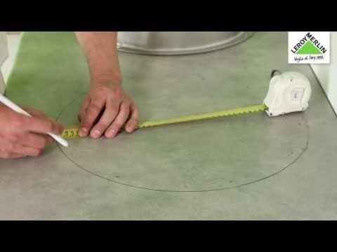 Come posare un piano di lavoro in cucina - tutorial Leroy Merlin - YouTube