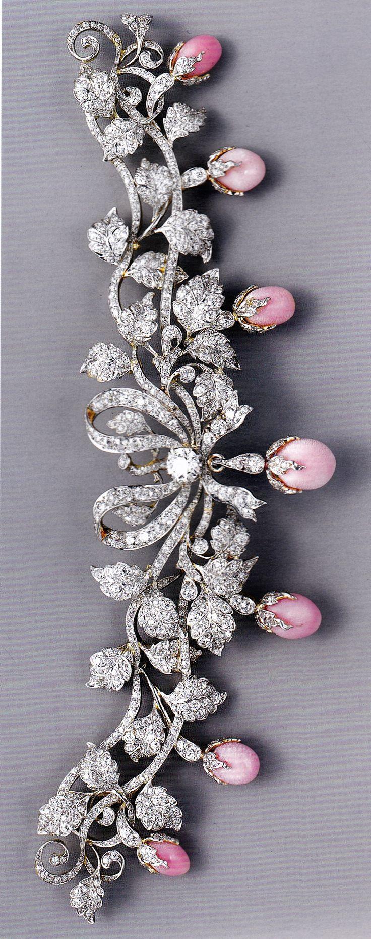 An antique bodice ornament, bu Tiffany & Co., circa 1890-95. Composed of platinu...