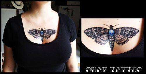 tatouages Papillon sphinx tete de mort, sphinx, papillon