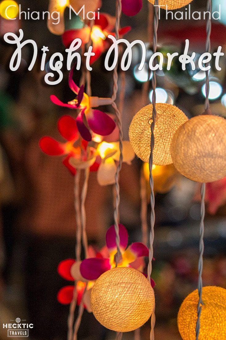 Le fameux marché de nuit du samedi soir à Chiang Mai, un must #Thailande #voyage
