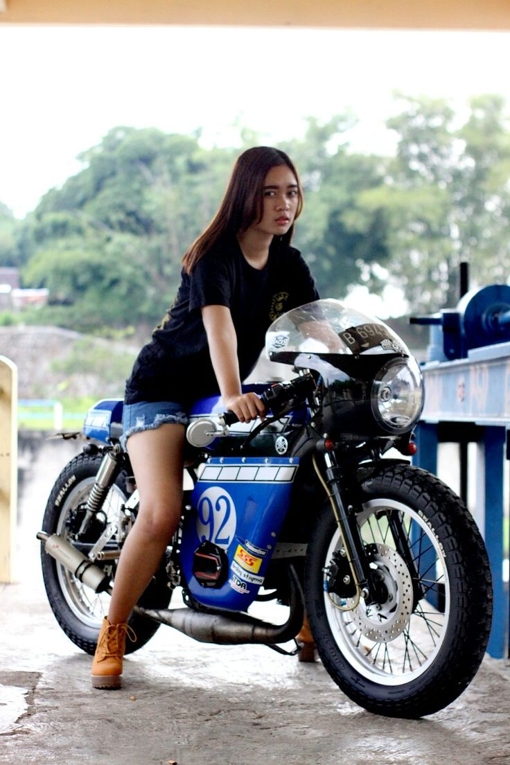 Girl on my Yamaha RX Caferacer