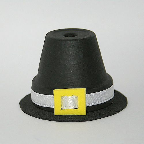 Find out how to create this fun Thanksgiving decoration that looks like a Pilgrim's hat.