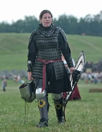 This has a great look to it Female Armored Combat Fighters SCA :: Lady Valora tou Ayiva image by isabellaevangelista - Photobucket