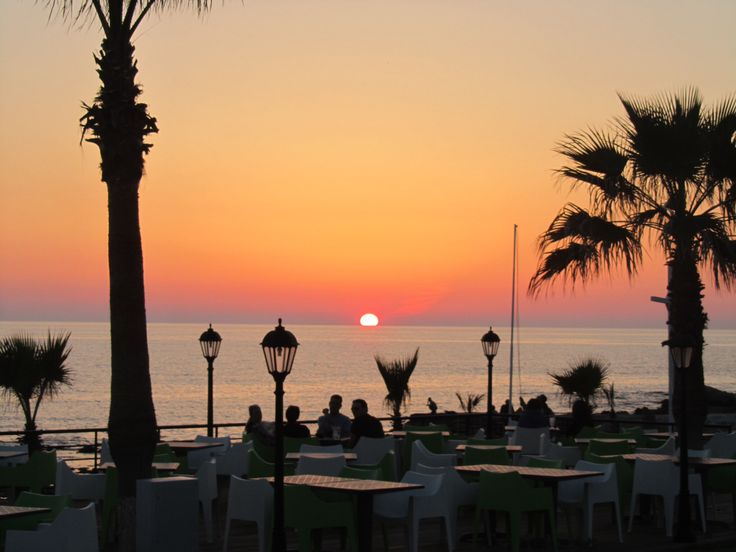 Sunset at al fresco La Breeza Del Mare
