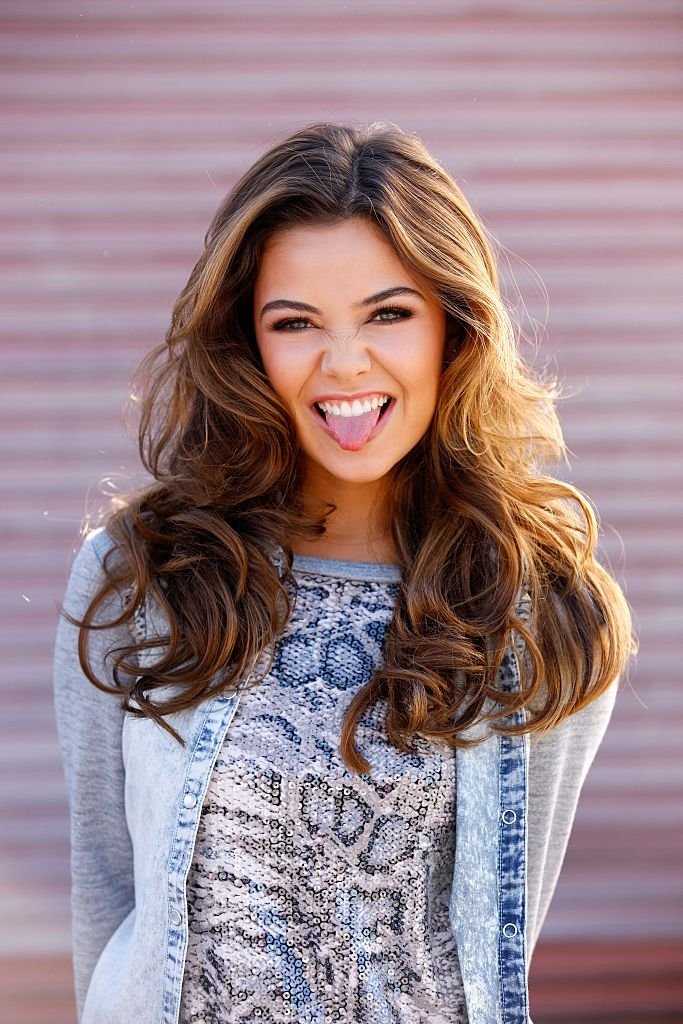 HQ Pictures of Danielle Campbell