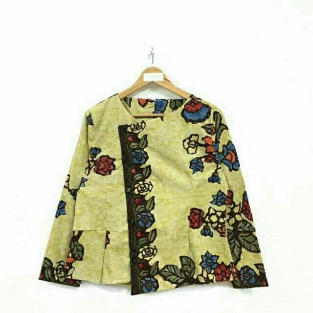 Saya menjual Blouse batik lengan panjang seharga Rp124.000. Dapatkan produk ini hanya di Shopee! https://shopee.co.id/nurika.batik/212968769 #ShopeeID