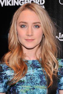Saoirse Ronan -could be a good Celaena from the Throne of Glass series if they make a movie?
