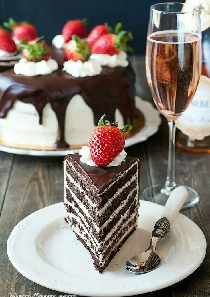 Торт с клубникой+ вино