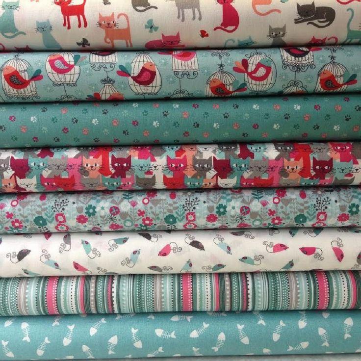 Makower Fabrics Cats Fat Quarter Bundle Teal-Includes 8 Fat Quarters