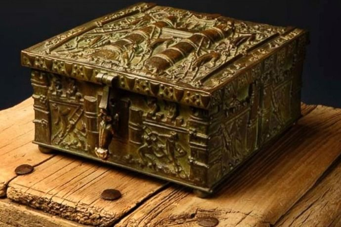 Forrest Fenn provided this image of the treasure chest he buried, which contains gold and priceless historical artifacts. (Addison Doty)