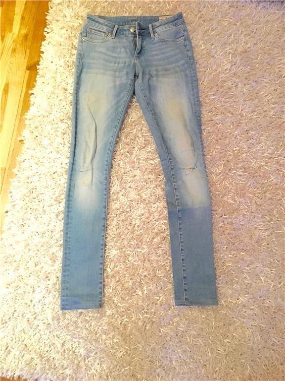 Ljusblåa crocker jeans från JC i storlek 25/30 - sliten och ljus tvätt 99 kr