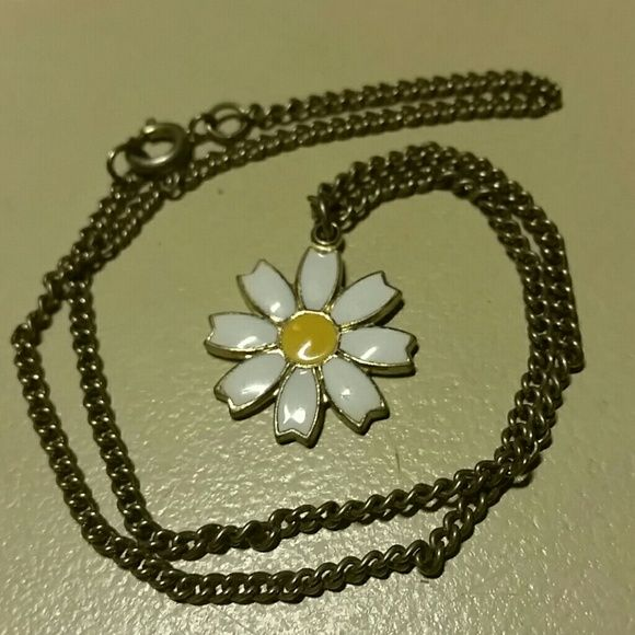 Daisy girl jewelry : Daisy choker this is a legit girl scouts of america