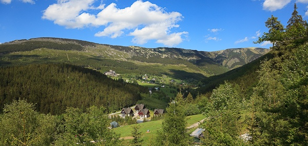 Blick in das Tal von Spindlermühle (Riesengebirge, Tschechien)