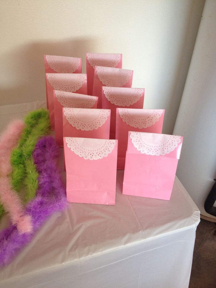 Tea party favors with doilies