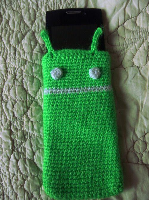 Etui telephone portable mascotte bugdroid vert : Etuis portables par doomyflo-crochet #android #diy #crochet