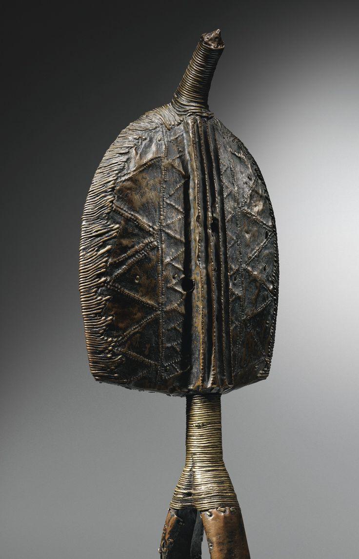LOT SOLD. 415,500 EUR   kota mahongwe figure de reliquair ||| figure ||| sotheby's pf1638lot8xkdfen