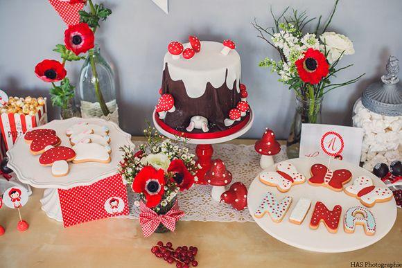 L'anniversaire enfant de Nina sur le thème du petit chaperon rouge, birthday kid Little Red Riding Hood