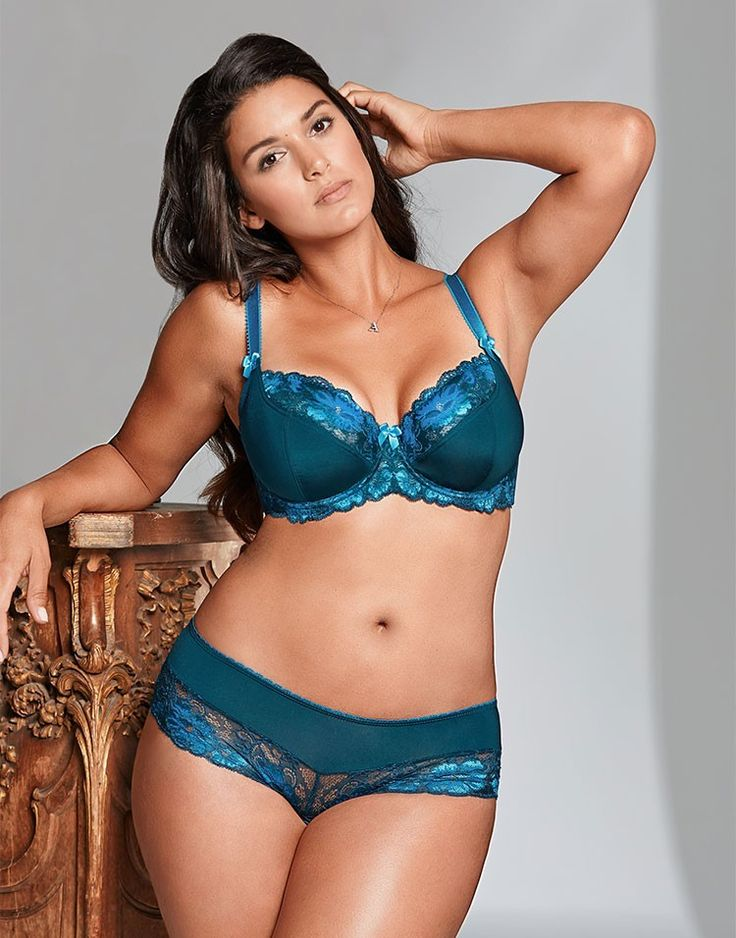 Love the rich jewel tones on this set from Adore Me Lingerie.