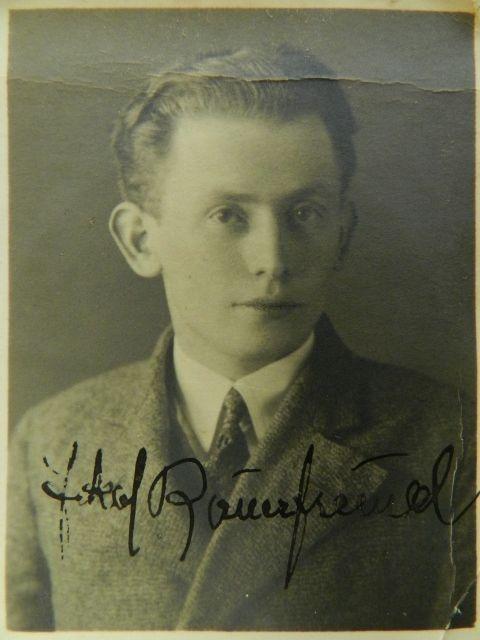 Jakub Bauernfreund (25. 10. 1904, Zborov u Bardejova, Slovensko – 8. 11. 1976, Londýn)