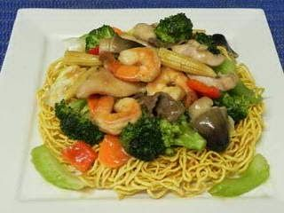 Deep Fried Egg Noodle with Seafood Recipe