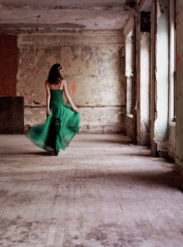 emerald wedding gown // photo by Tory Williams // dress by Vera Wang