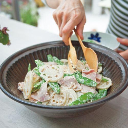 まろやかなマヨネーズ味のサラダ。味の濃い料理の箸休めにもおすすめです。